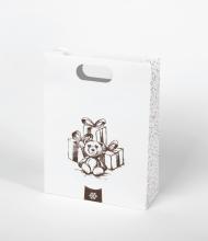 bear_gifts_shopping
